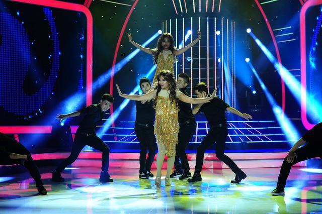 Lộ clip Phương Mỹ Chi nhảy múa sexy trên truyền hình-5