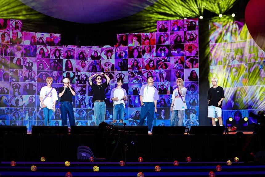 Cách nghệ sĩ Hàn Quốc kiếm tiền tỷ giữa thời dịch-1