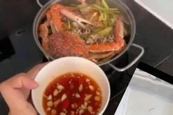 Một cầu thủ tuyển Việt Nam có bữa cơm cách ly nhìn mà mê!