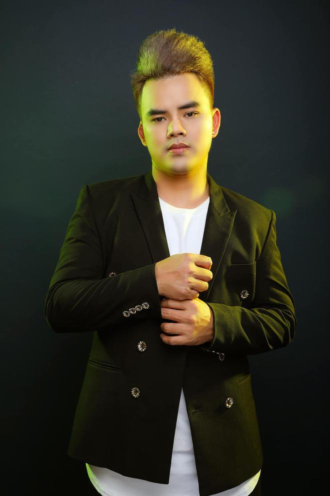 Lưu Chấn Long vạch mặt Quang Lê tốt lành gì, hát chùa cũng đòi 30 triệu-2