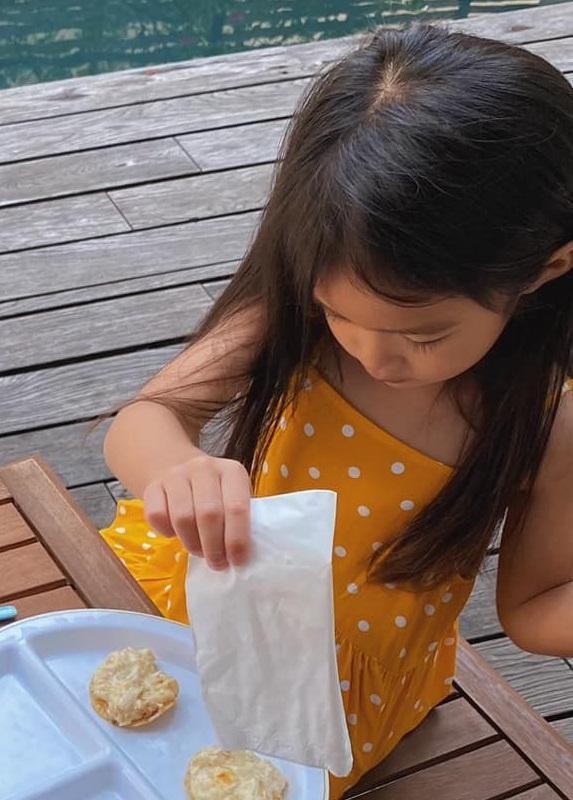 Con gái Tăng Thanh Hà được dân mạng chấm điểm 10 chăm chỉ-4