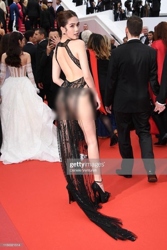 Ngọc Trinh mặc như không khoe 70% cơ thể với bodysuit trong suốt-7