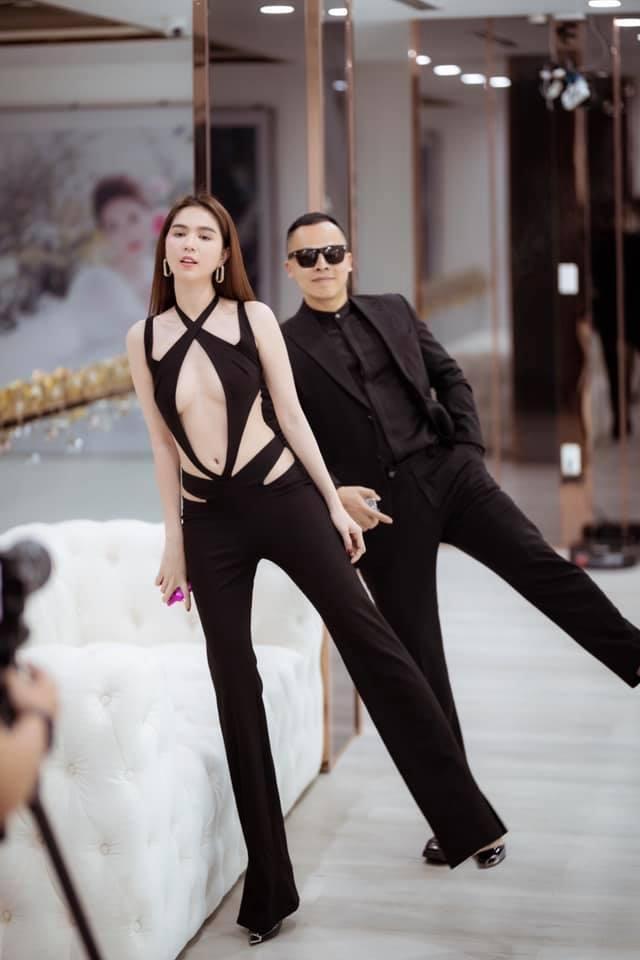 Ngọc Trinh mặc như không khoe 70% cơ thể với bodysuit trong suốt-2