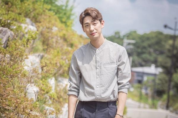 Vừa cặp kè Han So Hee, Song Kang lại nên duyên cùng đàn chị Park Min Young-5