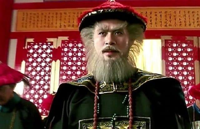 Tình tứ bên bạn trai, Quỳnh Anh Shyn bị soi kiểu tóc hệt Ngao Bái-5