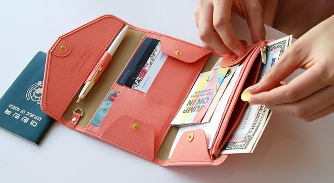 Người giàu không bao giờ tiết lộ: Dùng ví tiền theo phong thủy chiêu dụ tài lộc-1