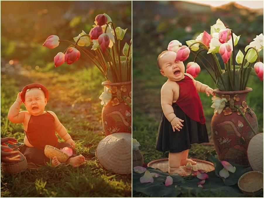 Khóc ngất bên hoa sen, công chúa 9 tháng tuổi biểu cảm ôi quá hài-5