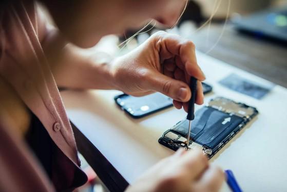 Làm thế nào để không bị rò rỉ hình ảnh riêng tư khi đi sửa điện thoại?-1
