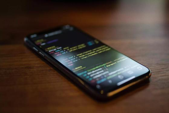 Làm thế nào để không bị rò rỉ hình ảnh riêng tư khi đi sửa điện thoại?-2