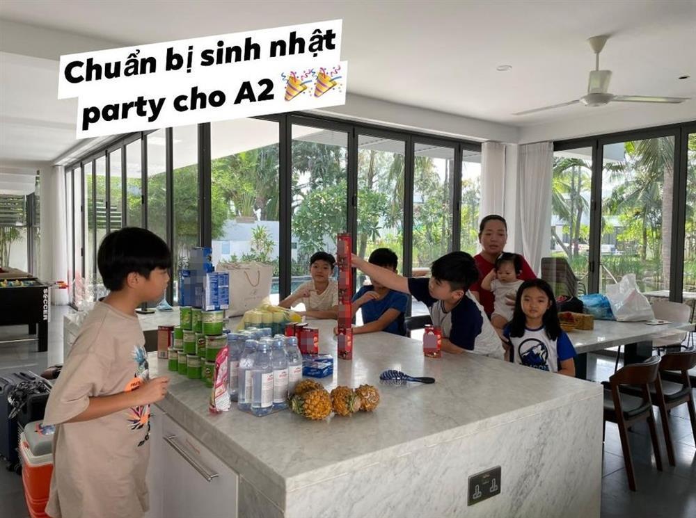 Đàm Thu Trang tổ chức sinh nhật cho Subeo, gửi lời chúc cực ngọt-9
