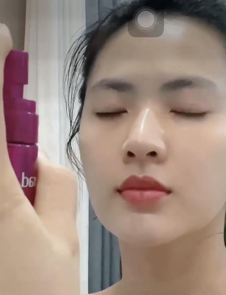 Minh Trang Cây Táo Nở Hoa bày cách xóa quầng thâm mắt do thức đêm xem bóng-8