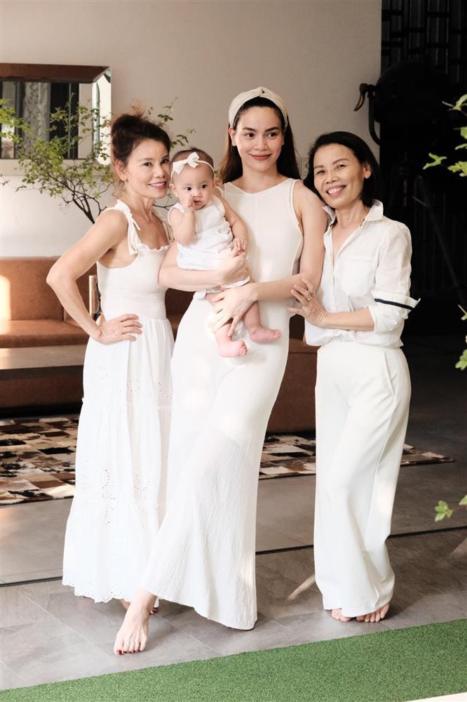 Để ý mới thấy Kim Lý phá banh dress code tiệc sinh nhật Subeo-8