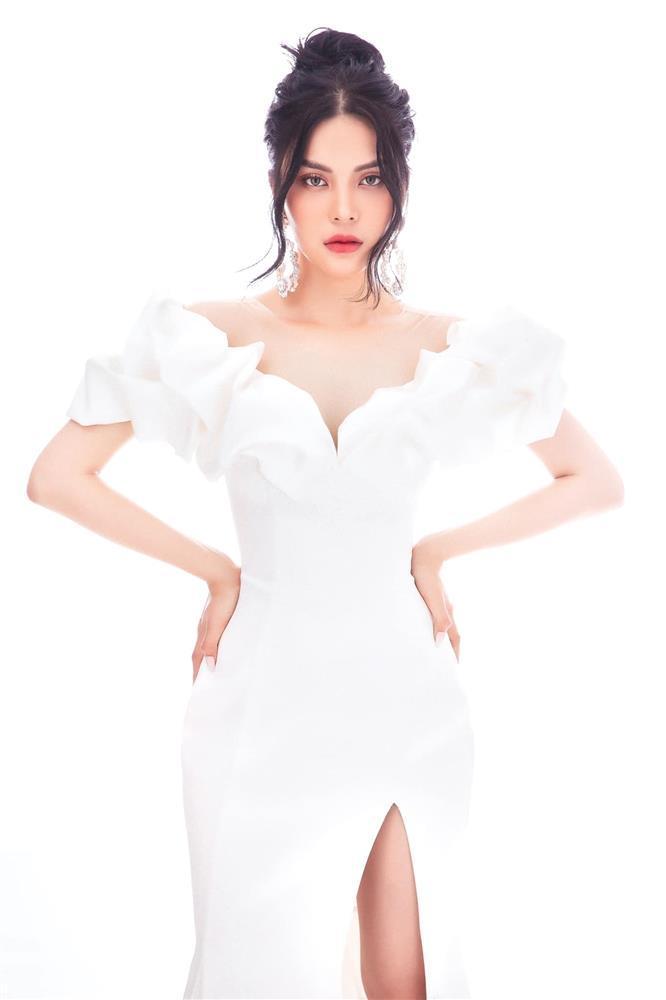 Lily Chen khẳng định chủ quyền giữa drama bị cô Trinh giật bồ-3
