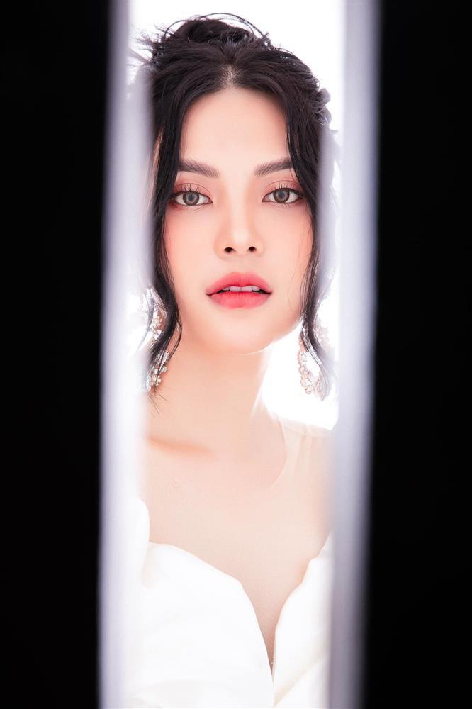 Lily Chen khẳng định chủ quyền giữa drama bị cô Trinh giật bồ-5