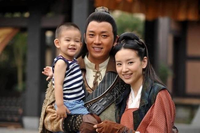 Đổng Khiết gây tranh cãi khi nhiều năm không cho con trai gặp bố-3