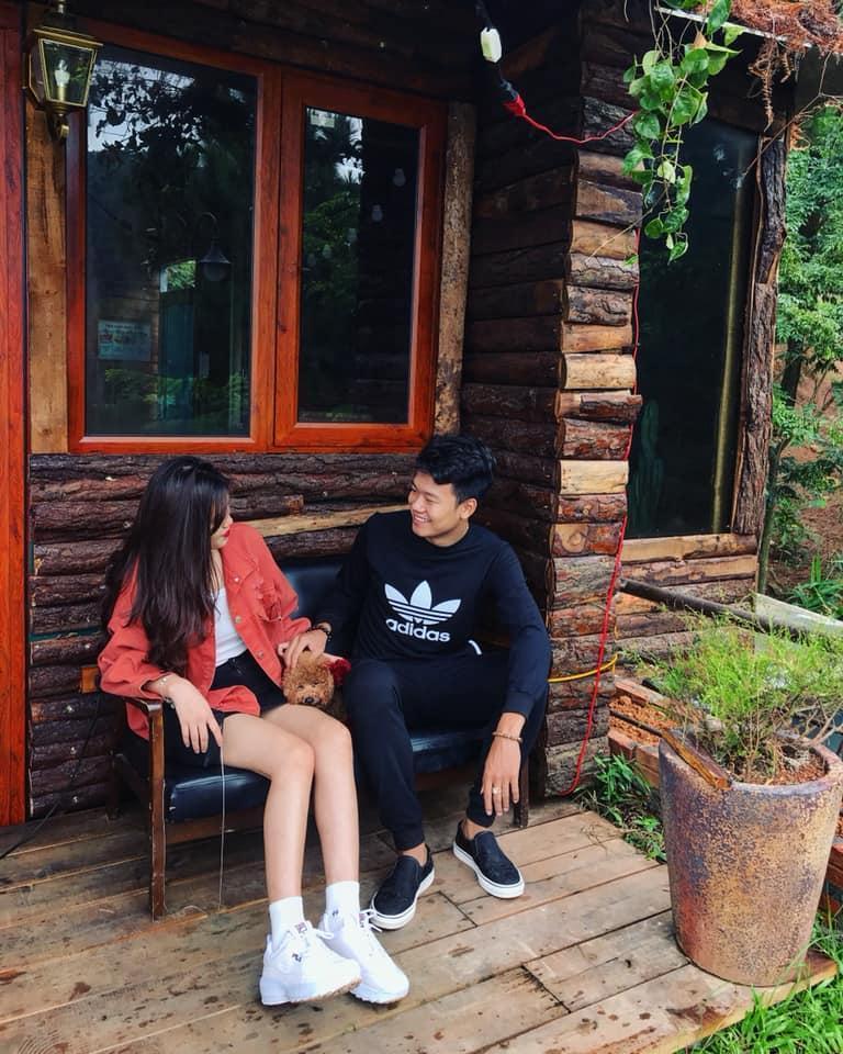 Từ khu cách ly, Thành Chung tung ảnh nóng với hotgirl cùng quê-4