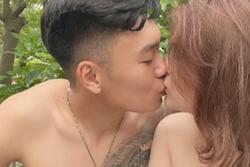 Từ khu cách ly, Thành Chung tung 'ảnh nóng' với hotgirl cùng quê