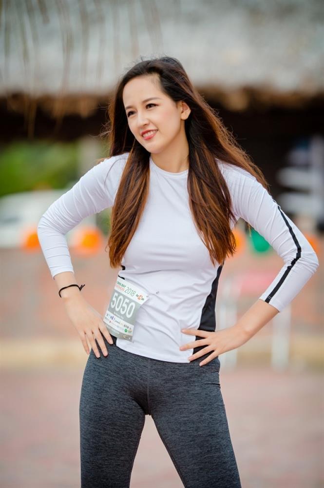 Mỹ nhân Việt lộ điểm tế nhị vì đồ gym bó sát, tưởng quyến rũ hóa phản cảm-11