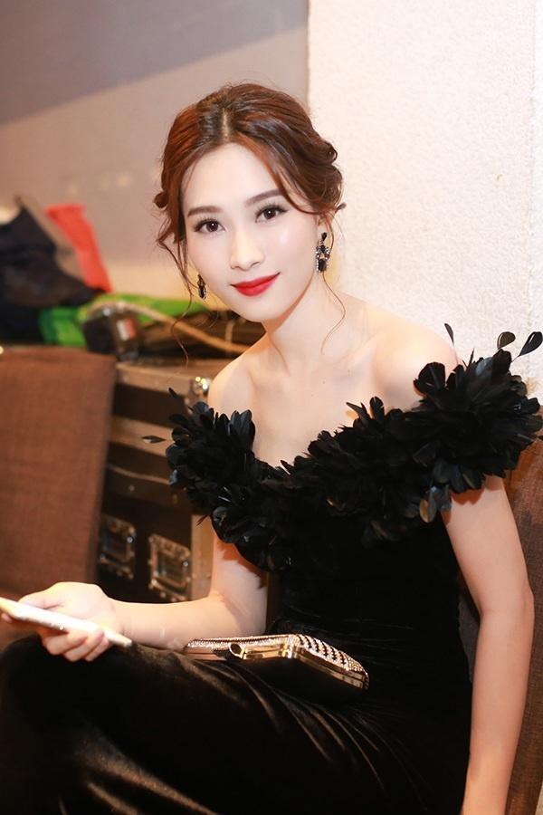 5 người đẹp Việt sở hữu khuôn mặt tỷ lệ vàng bao người ao ước-7