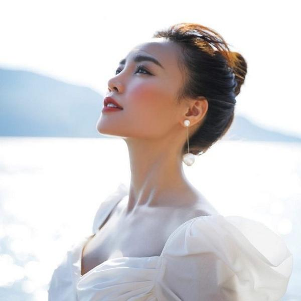 5 người đẹp Việt sở hữu khuôn mặt tỷ lệ vàng bao người ao ước-21