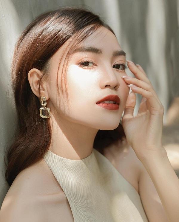 5 người đẹp Việt sở hữu khuôn mặt tỷ lệ vàng bao người ao ước-23