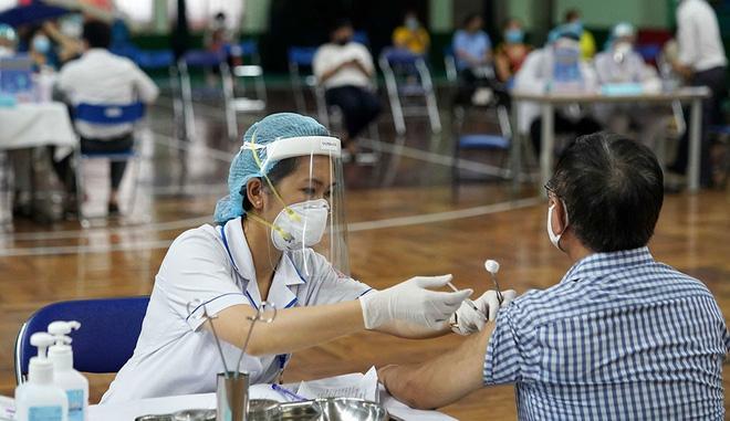 Những dấu hiệu trong 30 ngày tiêm vắc xin Covid-19 không được bỏ qua-1