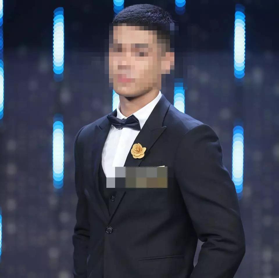 Mỹ nam Người Ấy Là Ai khoe ảnh xả hàng sau 2 tuần bị nghi lộ clip-2