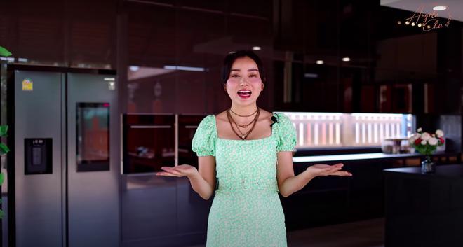Angela Chu được chồng tỷ phú tặng bếp 3,7 tỷ trong villa 10 triệu đô-4