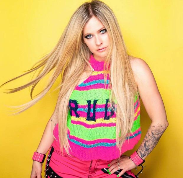 Avril Lavigne sau 20 năm, nhan sắc muốn lập kỷ lục hack tuổi thế giới?-6