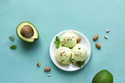 Chỉ dùng 3 nguyên liệu cũng làm được kem bơ ngon nức nở - các chị hãy thử ngay!