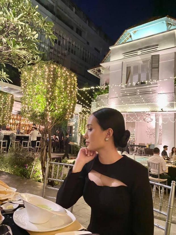Ái nữ cựu chủ tịch CLB Sài Gòn lên đồ sang chảnh, xách túi Hermes 80 triệu-1