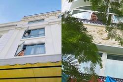 Cả 'thế giới' của tuyển Việt Nam bỗng chốc thu bé lại bằng khung cửa sổ