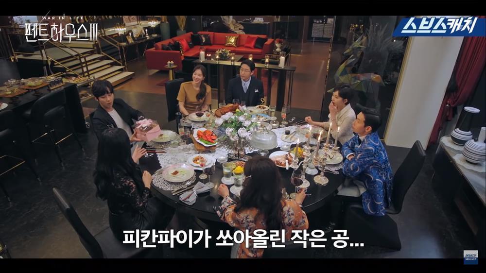 Hậu trường Penthouse 3 tập 3: Dượng Tê thương nhớ Shim Soo Ryeon từ phim ra đời-2