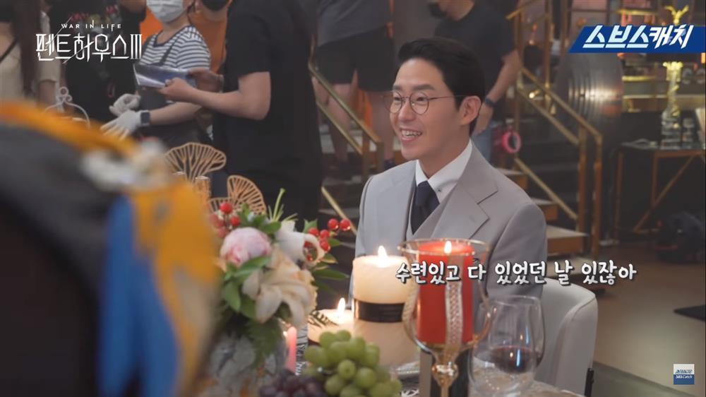 Hậu trường Penthouse 3 tập 3: Dượng Tê thương nhớ Shim Soo Ryeon từ phim ra đời-3