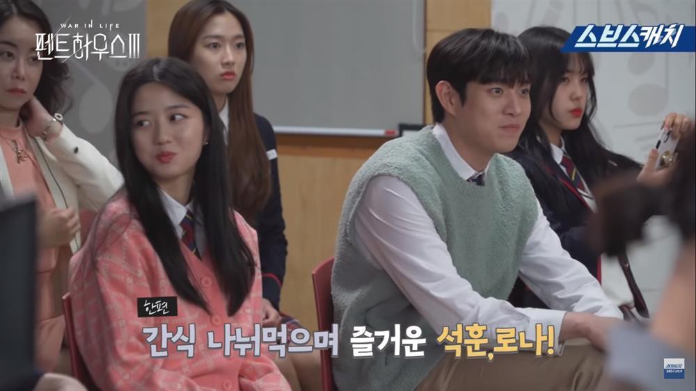 Hậu trường Penthouse 3 tập 3: Dượng Tê thương nhớ Shim Soo Ryeon từ phim ra đời-5