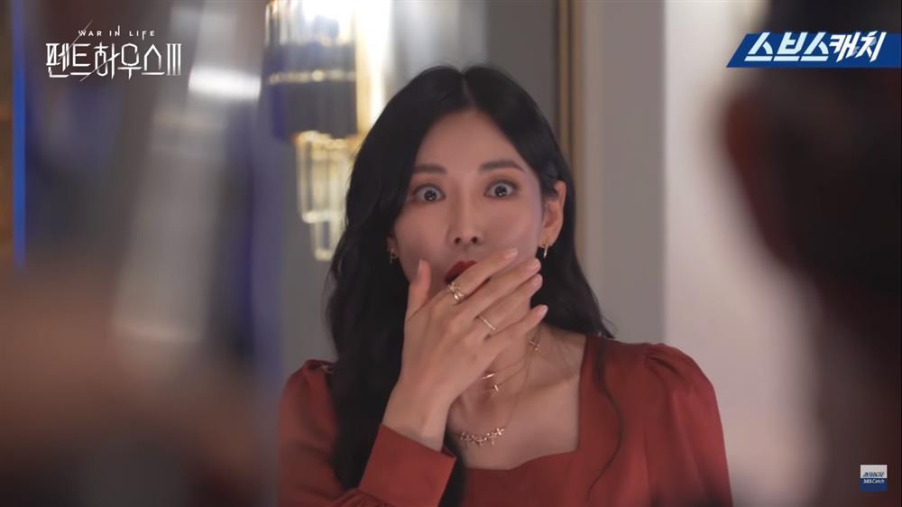 Hậu trường Penthouse 3 tập 3: Dượng Tê thương nhớ Shim Soo Ryeon từ phim ra đời-8