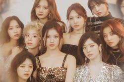 Vừa ra mắt Alcohol-Free, TWICE lại nhá hàng sản phẩm mới: JYP 'bóc lột' idol đến tận cùng?