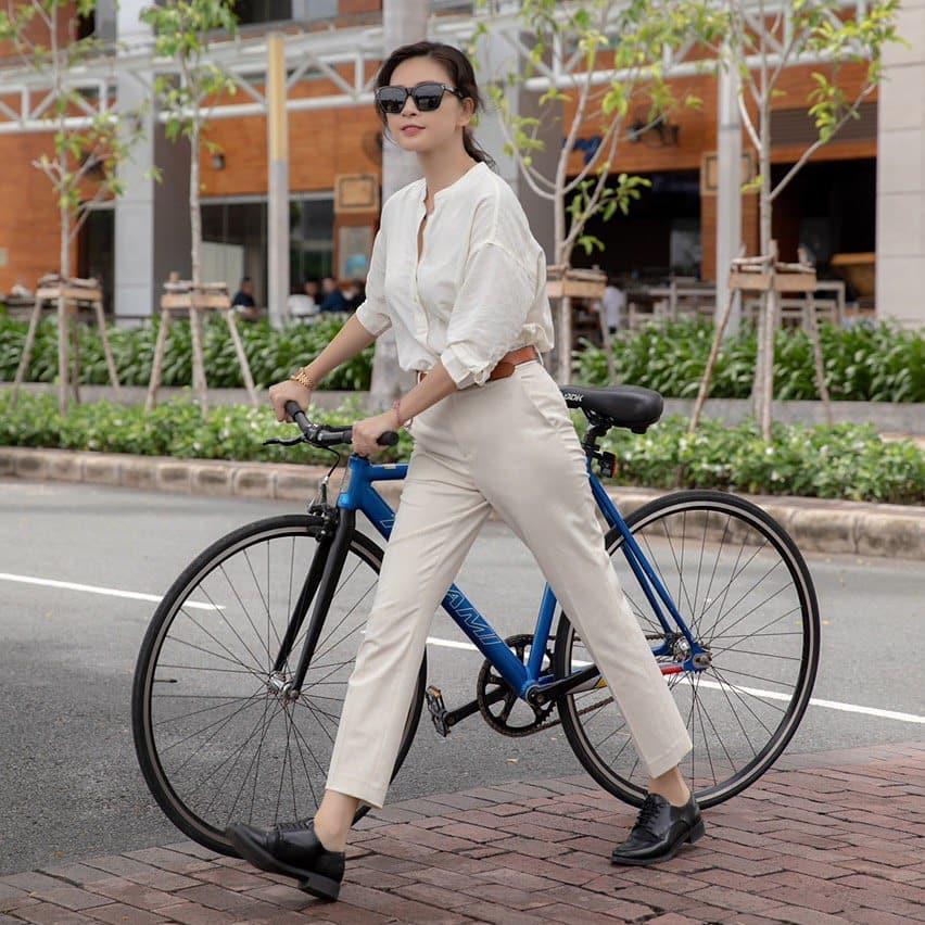 4 mỹ nhân Việt có style công sở chuẩn thanh lịch-5