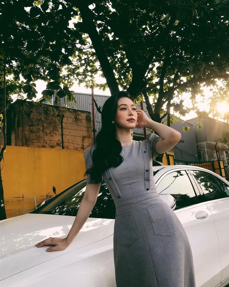 4 mỹ nhân Việt có style công sở chuẩn thanh lịch-6