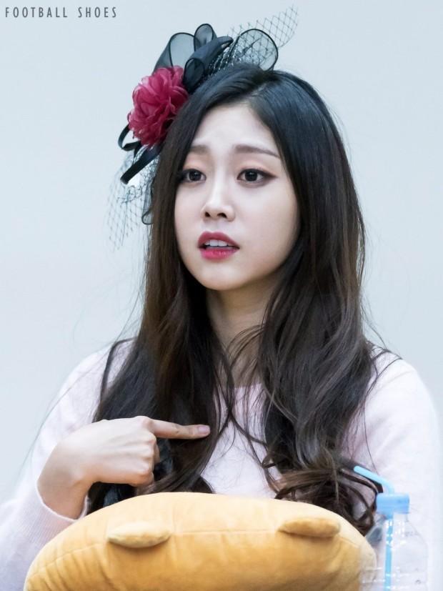 Thành viên nhóm nhạc Hàn dương tính Covid-19, loạt idol phải hủy show-1