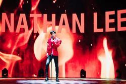 Phủ đồ hiệu vài tỷ đến chục tỷ, Nathan Lee làm MV 'sang đừng hỏi'
