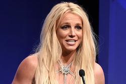 Britney Spears: 'Tôi sống như nô lệ, bị cấm sinh con'