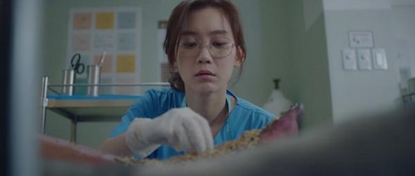 Sự thật thú vị về Hospital Playlist: Không ai là giáo sư, Shin Hyun Bin bốc giòi-9