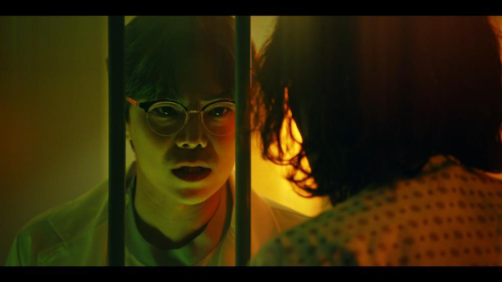 Penthouse 3 tập 4: Seok Kyung từ mặt mẹ, Logan cứu Baek Joon Ki từ trại điên-3