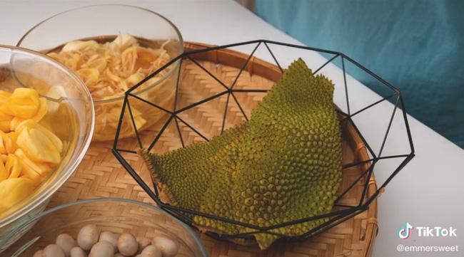 Hot Tiktoker bày cách ăn cả quả mít luôn vỏ lẫn hạt mà không cần phải bỏ thứ gì khiến ai cũng bất ngờ-1