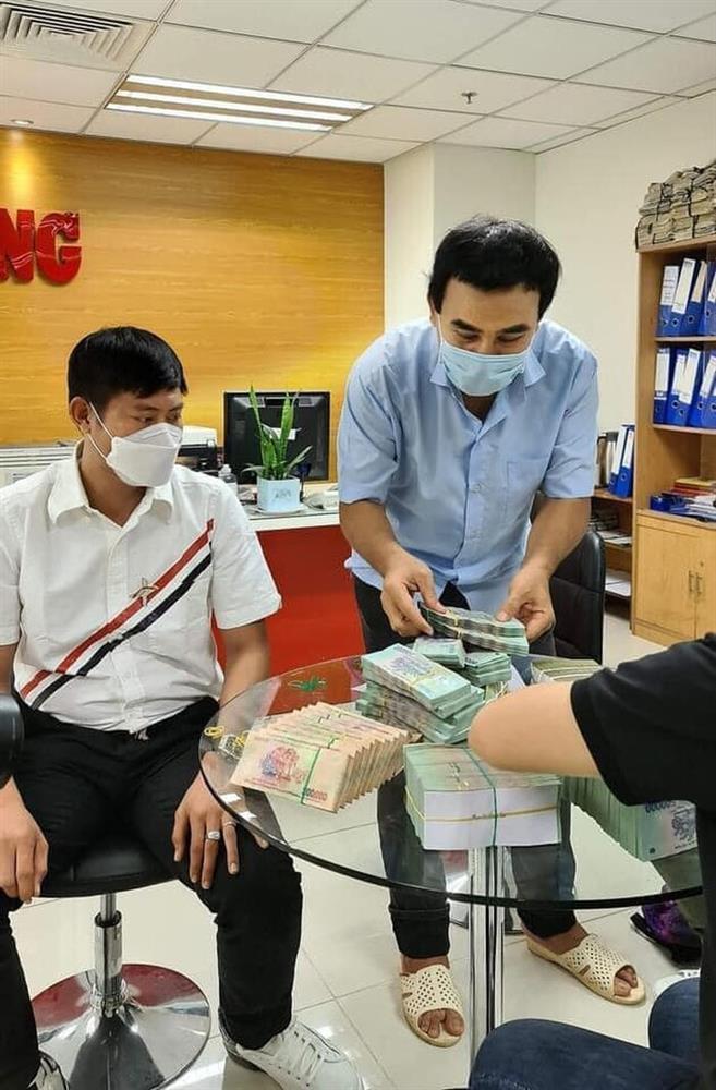 Số tiền ủng hộ của loạt sao Vbiz cho Quỹ vaccine được công khai