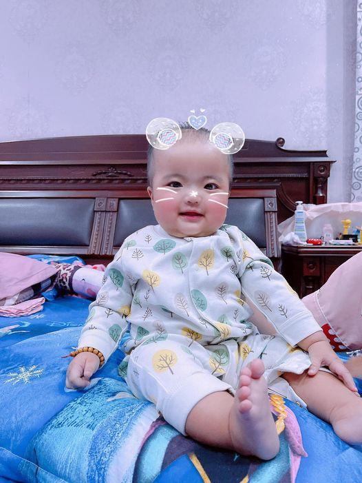 Ngoại hình con gái Mạc Văn Khoa sau nửa năm chào đời-8