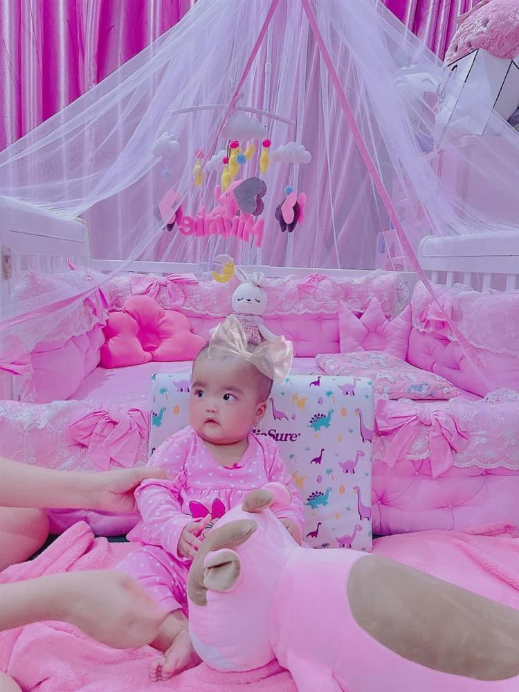 Ngoại hình con gái Mạc Văn Khoa sau nửa năm chào đời-10