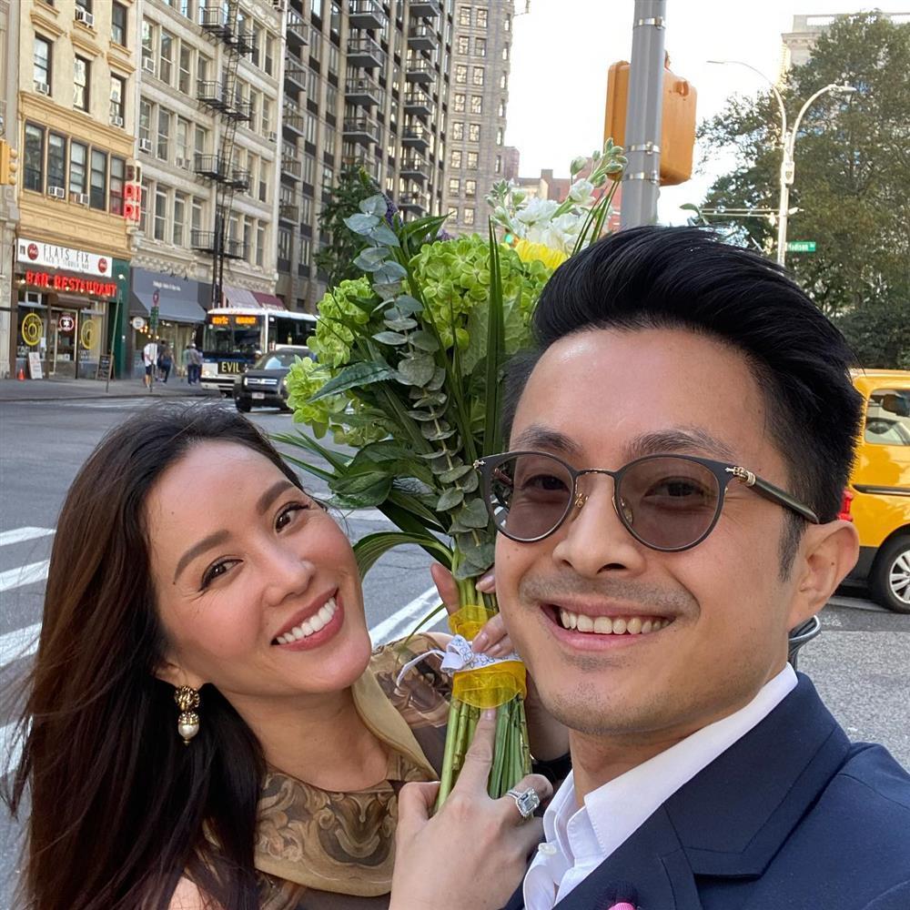 Trai trẻ vừa kết hôn với Thu Hoài là ai?