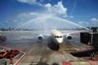 Phuket dùng vòi rồng chào đón khách nước ngoài quay lại